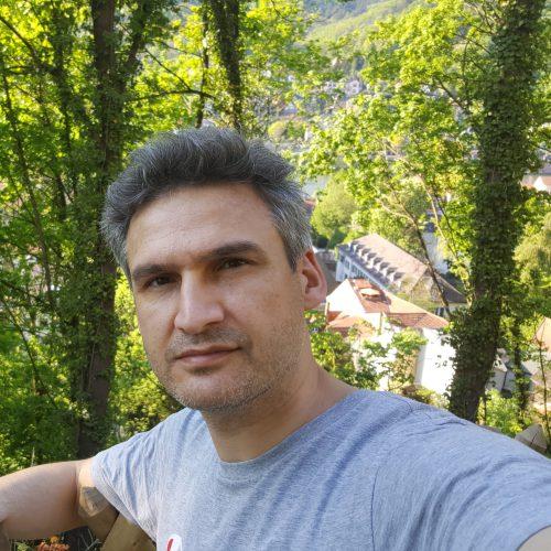 foto van Özcan Erdem senior onderzoeker